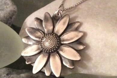 Michele-Solak—Silver-Layered-Daisy172dpi