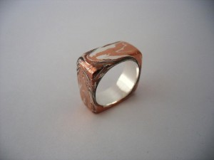 Mazekomi Ring by Henriette van Battum