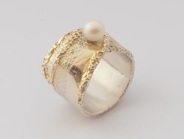 Pear Ring by Meropi Toumbas